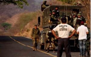 Ejercito-desarma-autodefensa-en-Aquila-Michoacan_politicamain
