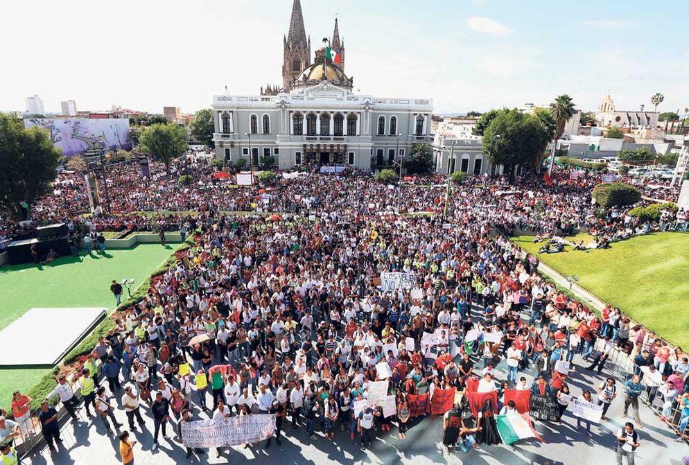 Universidad-Guadalajara-Ricardo