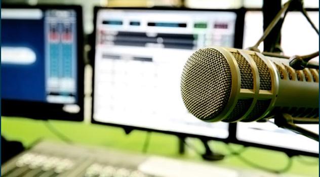 Cómo-montar-una-radio-online-y-ganar-dinero-con-ello